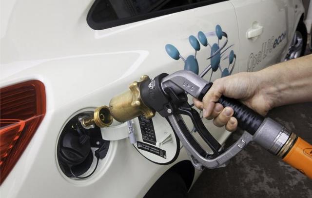 Nowe samochody na gaz LPG - porównanie cen i instalacji. Poradnik