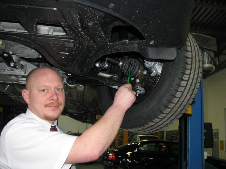 Samochodowe przeguby napędowe - jak jeździć, by ich nie uszkodzić