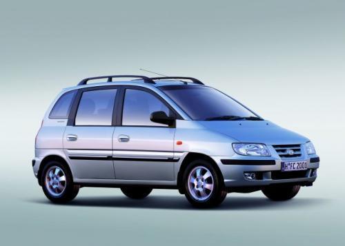 Fot. Hyundai: Hyundai Matrix ma długość 405 cm i wykorzystuje płytę podłogową Elantry. Nadwozie zaprojektowała firma Pininfarina.
