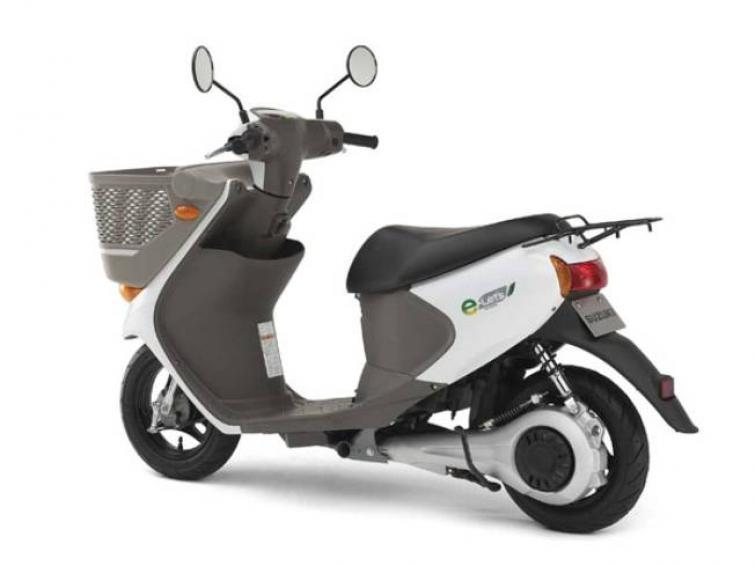 Suzuki e-Let's - elektryczny roller wkracza do miast