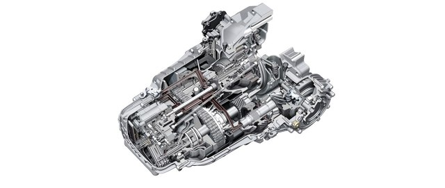 Automatyczna i bezstopniowa skrzynia biegów o nazwie Multitronic dostępna była w samochodach marki Audi ze wzdłużnie zamontowanym silnikiem i napędem na przednią oś. Wiele osób obawia się tej konstrukcji, głównie z powodu krążących opinii o jej ponadprzeciętnej awaryjności i wysokich kosztów napraw. Czy słusznie?  Fot. Źródło Audi