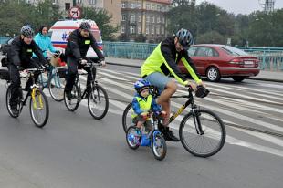 Kodeks drogowy 2019. Czy małe dziecko może samo poruszać się po drodze?