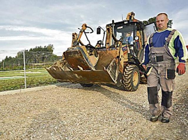 Roboty drogowe w Szczecinku: został miesiąc na Żeglarską