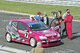 W Poznaniu Zbigniew Szwagierczak był trzeci, w Brnie wygrał i teraz jest liderem Volkswagen Castrol Cup.