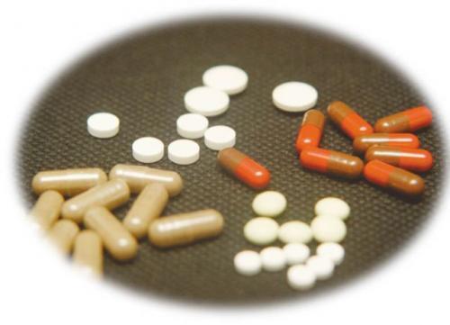 Fot. Krzysztof Mystkowski: Kierowcy zażywający leki powinni ich działanie skonsultować z lekarzem. Wiele specyfików powoduje pogorszenie koncentracji i refleksu.