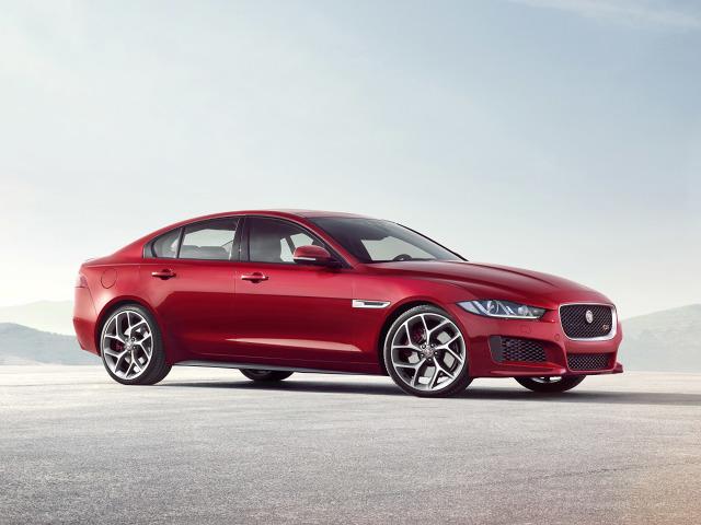 zdjęcie Jaguar XE