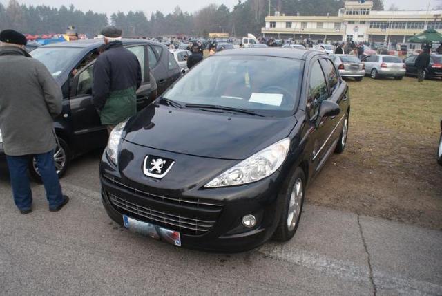 Giełdy samochodowe w Kielcach i Sandomierzu (20.11) - ceny i zdjęcia