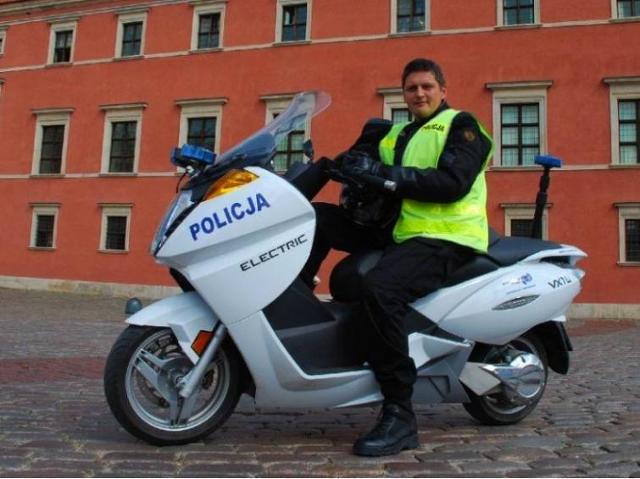 Vectrix VX-1 - elektryczne skutery w warszawskiej policji