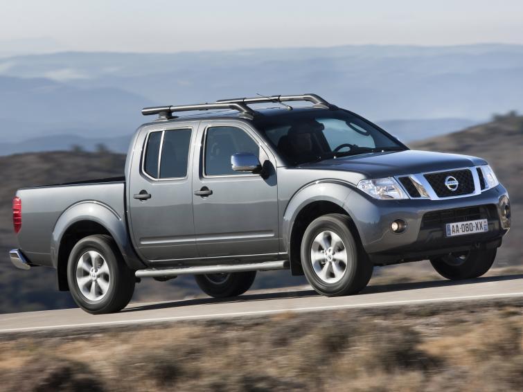 Nissan Navara - tysiące aut do serwisu, bo mogą im odpaść koła