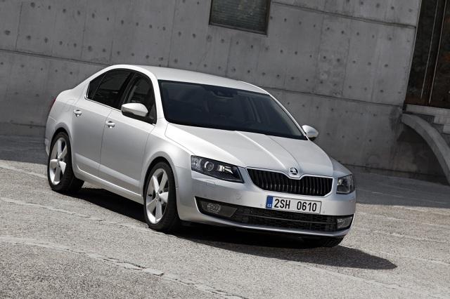 Skoda Octavia  Skoda Octavia to od wielu lat handlowy hit czeskiego producenta. Auto jest cenione przez użytkowników za przestronność, wysoki komfort jazdy i niezawodność.  Fot. Skoda