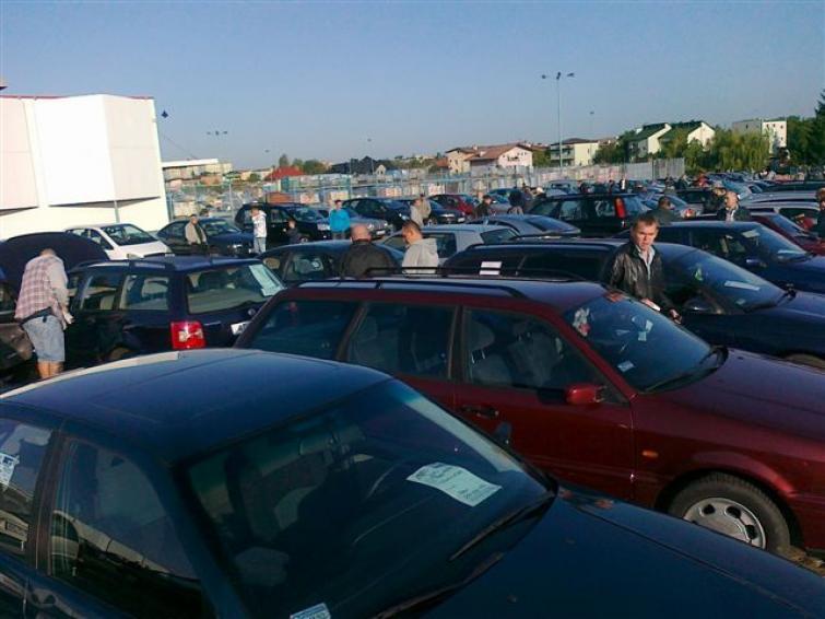 Giełda samochodowa w Radomiu (24.09) - sprawdź ceny