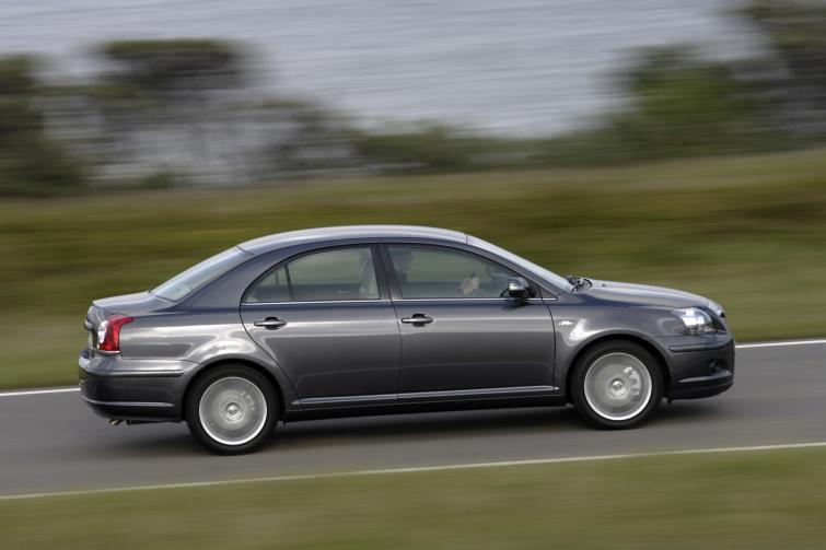 Toyota Avensis – uwaga na możliwą awarię układu paliwowego