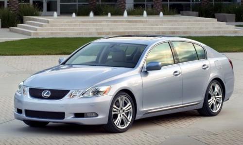 Fot. Lexus: Lexusa GS450h napędzają współpracujące ze sobą silniki benzynowy i elektryczny.