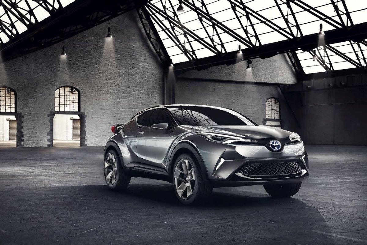 Toyota nie potwierdziła jeszcze, czy nowy crossover wejdzie do sprzedaży pod nazwą C-HR. Za to znamy już pewne szczegóły specyfikacji technicznej. Auto zostało zbudowane na platformie GA-C z serii TNGA, tej samej, na której powstał nowy Prius.  Toyota C-HR / Fot. Toyota