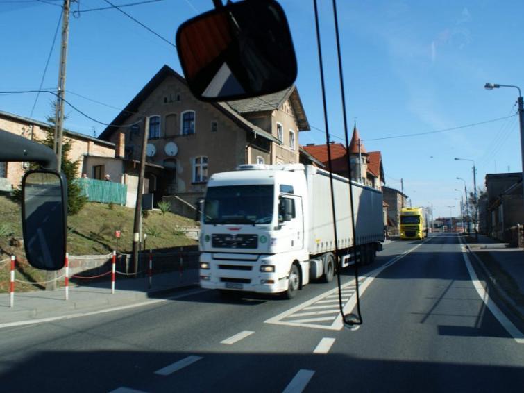 NIK krytykuje inspekcję drogową. Chwali bydgoskich inspektorów