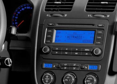 Fot. Blaupunkt: Radioodbiorniki montowane w samochodach seryjnie są z reguły średniej klasy.