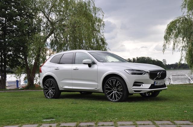 Volvo XC60. Test gorącej nowości ze Szwecji  Największym przebojem Volvo w ostatnich latach okazał się model XC60. Do ostatniej chwili produkowany od 2008 r. SUV sprzedawał się lepiej od wielu konkurentów. Po dziewięciu latach przyszła pora na następcę. Czy nowe XC60 utrzyma pozycję bestsellera?  fot. Marcin Lewandowski