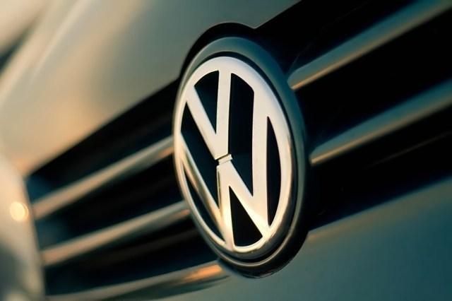 Jak podaje branżowy portal Wirtualnemedia.pl, producenci samochodów osobowych wydali w I połowie br. na reklamy w mediach 19,1 proc. więcej niż w tym samym okresie ub.r. Pozycję lidera zachował Volkswagen Group Polska (importer aut marki Skoda, Audi, Volkswagen). Największy wzrost nakładów na reklamę zanotowały w tym okresie FCA Poland, importer aut marki Fiat i Chrysler oraz Hyundai Motor Poland.   Fot. Archiwum