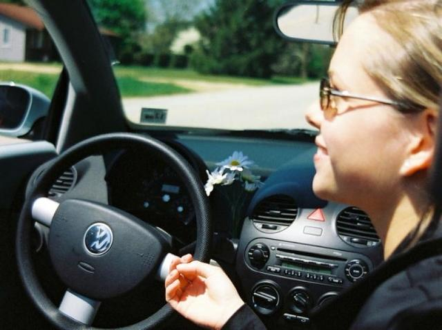 Wakacje w samochodzie: Zadbajmy o swoje bezpieczeństwo