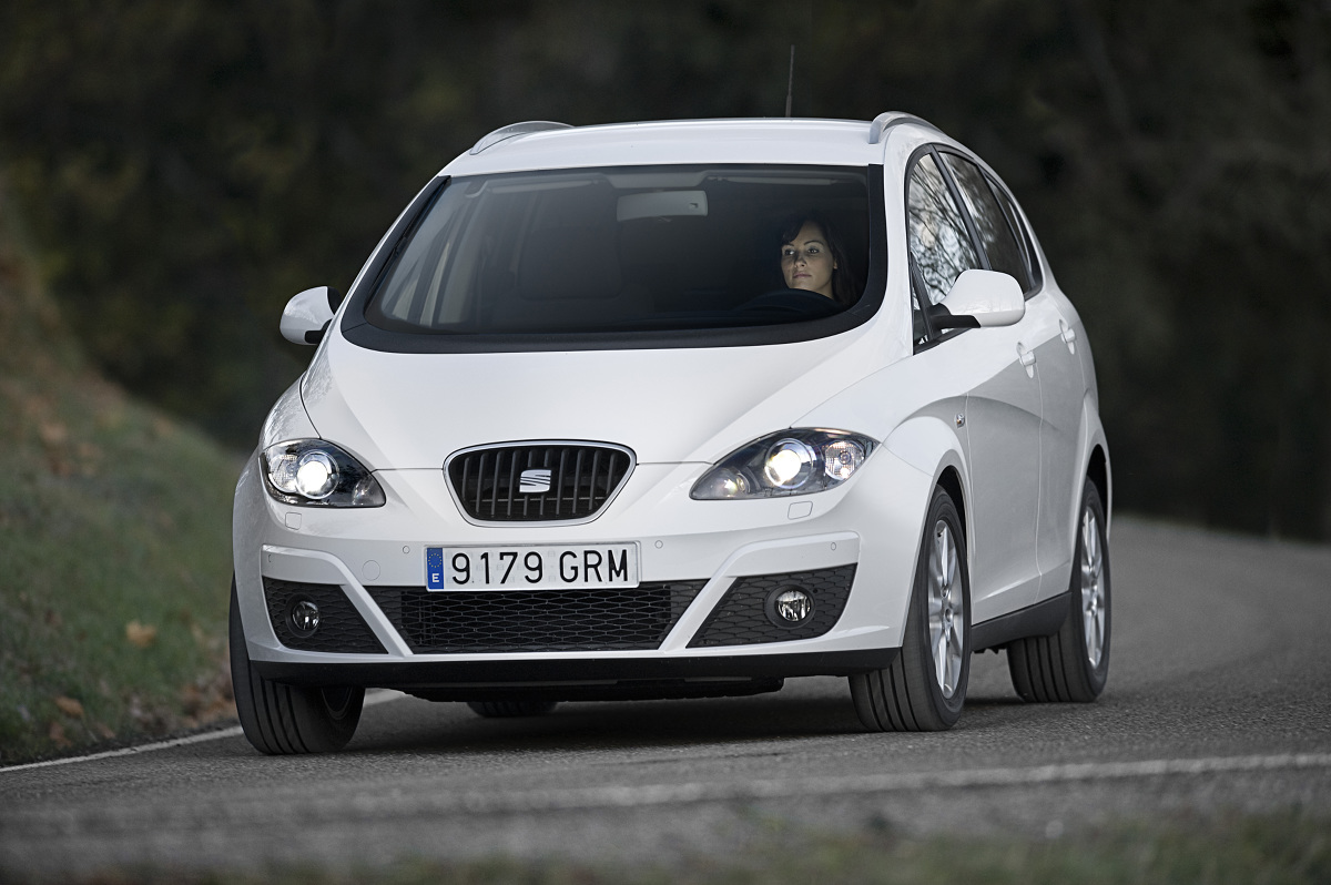 Seat Altea / Fot. Seat  Altea oraz jej powiększona wersja Altea XL wciąż są utrzymywane w produkcji. Z racji coraz mniejszego zainteresowania wycofano je z wybranych rynków. Brytyjski autocar.co.uk poinformował, że dni modelu Altea zostały definitywnie policzone.
