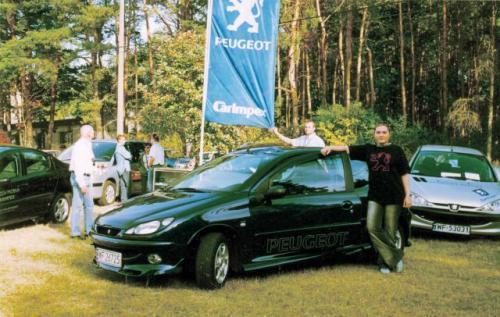 fot. Z. Podbielski: W Jachrance pod Warszawą odbył się zlot posiadaczy samochodów marki Peugeot.