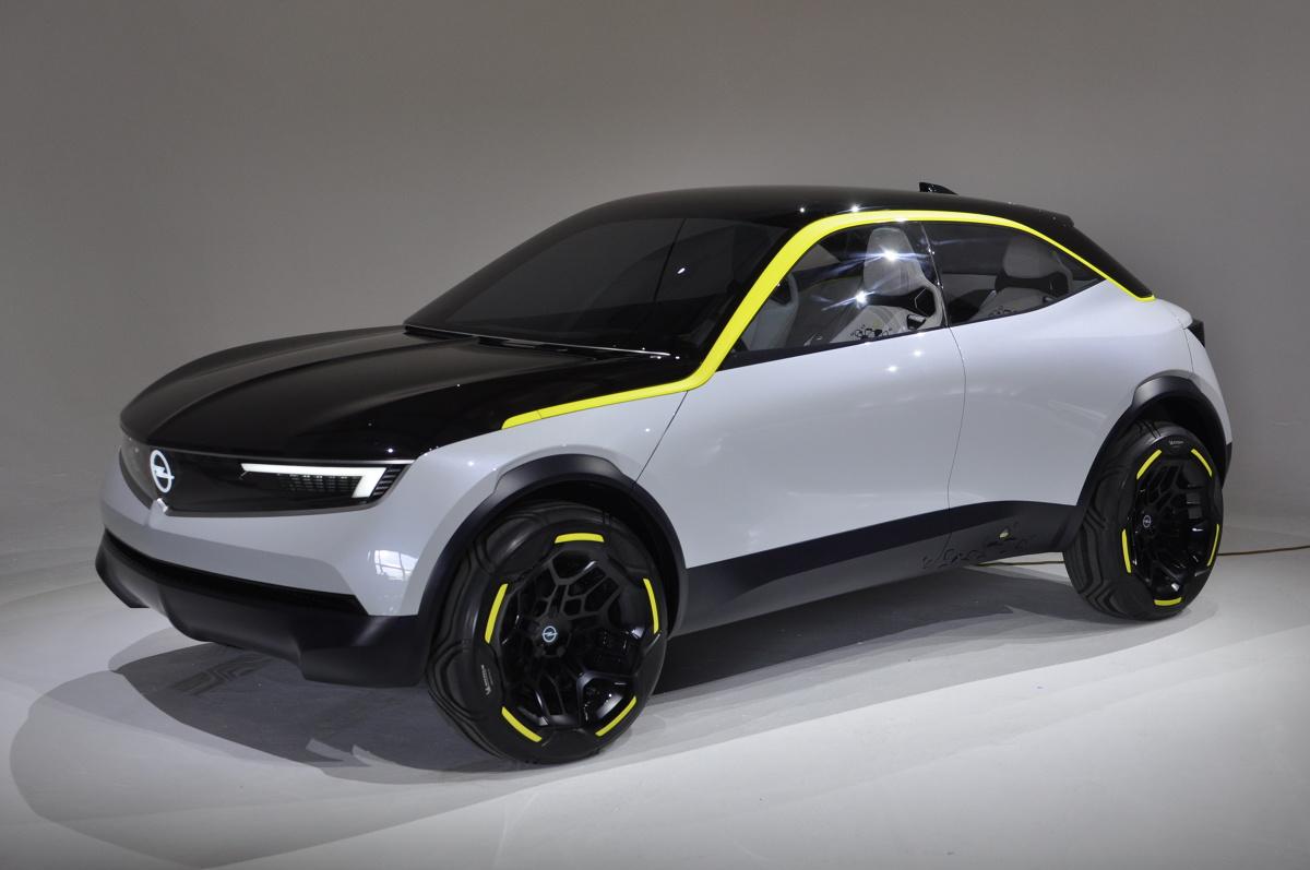 Chcielibyście czasem móc spojrzeć w przyszłość motoryzacji? My mieliśmy taką możliwość, biorąc udział w polskiej prezentacji studyjnego crossovera Opla - modelu GT X Experimental. Samochód ten wskazuje kierunek, w którym w nadchodzących latach będzie podążał producent z Rüsselsheim.  Fot. Jakub Mielniczak
