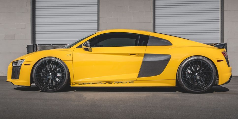Audi R8 Plus   Standardowe wydanie R8 V10 Plus oferuje 610 KM mocy 560 Nm maksymalnego momentu obrotowego. Auto do 100 km/ przyspiesza w 3,2 s, natomiast jego prędkość maksymalna to 330 km/h.   Fot. Audi