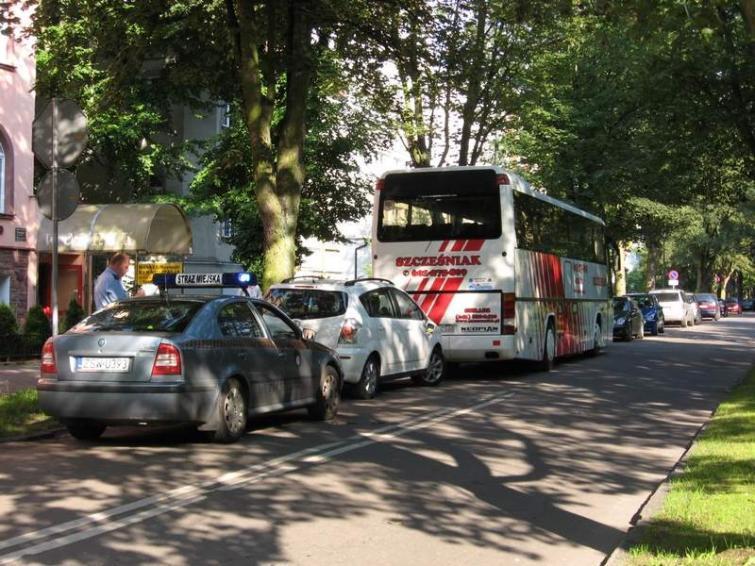Ulica Sienkiewicza w Świnoujściu: Świadomie popełniają tutaj wykroczenie i liczą, że sie uda