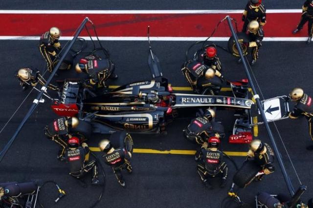 Testy Formuły 1 w Barcelonie – Heidfeld ćwiczył pit stopy