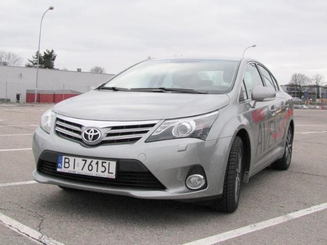 Testujemy: Toyota Avensis 1.8 - komfort kosztuje. Zdjęcia