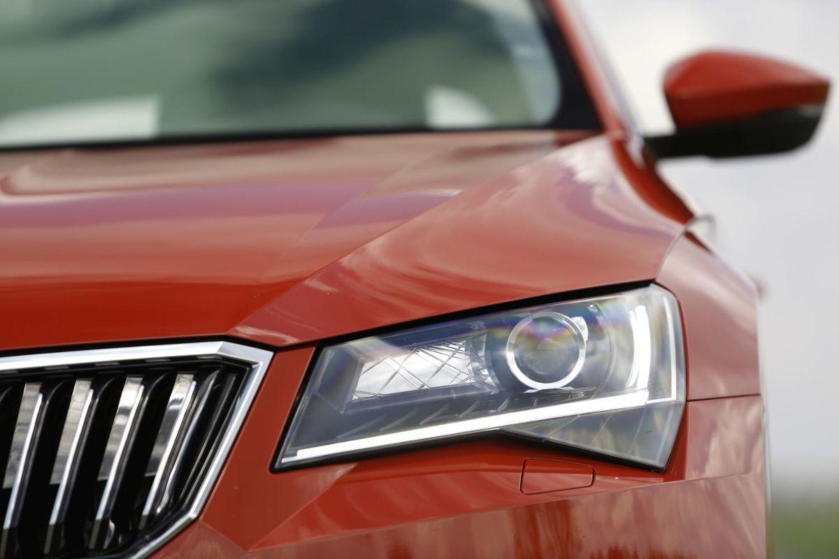 światła W Samochodzie Rodzaje I Funkcje