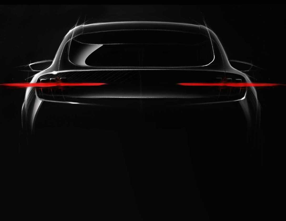 W pełni elektryczny SUV Forda, który ma być inspirowany liniami Mustanga i zdolny do przejechania 482 km na jednym ładowaniu, pojawi się w 2020 roku.  Fot. Ford