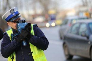 Limity prędkości w Polsce 2021. Jaka kara za przekroczenie prędkości 2021? Taryfikator mandatów i punkty karne