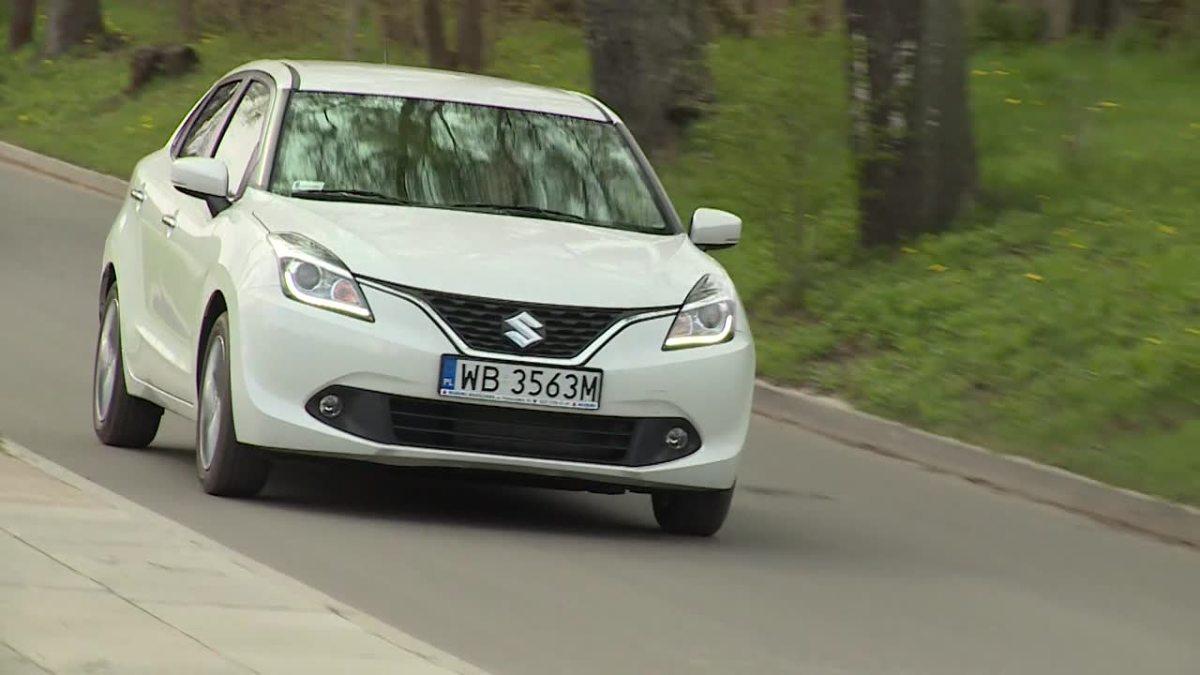 Suzuki Baleno   Suzuki Baleno to nowa konstrukcja. Pojazd klasyfikowany jest pomiędzy segmentem B i C. Do wyboru przewidziano dwa silniki benzynowe.   Fot. TVN Turbo / x-news