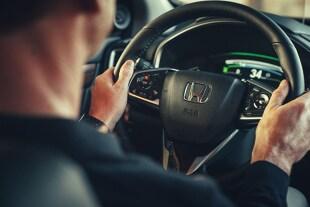 Samochodowe systemy bezpieczeństwa. Co oznaczają literowe szyfry w aucie?