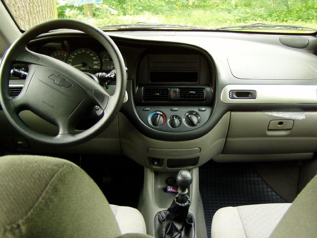 zdjęcie Chevrolet Rezoo
