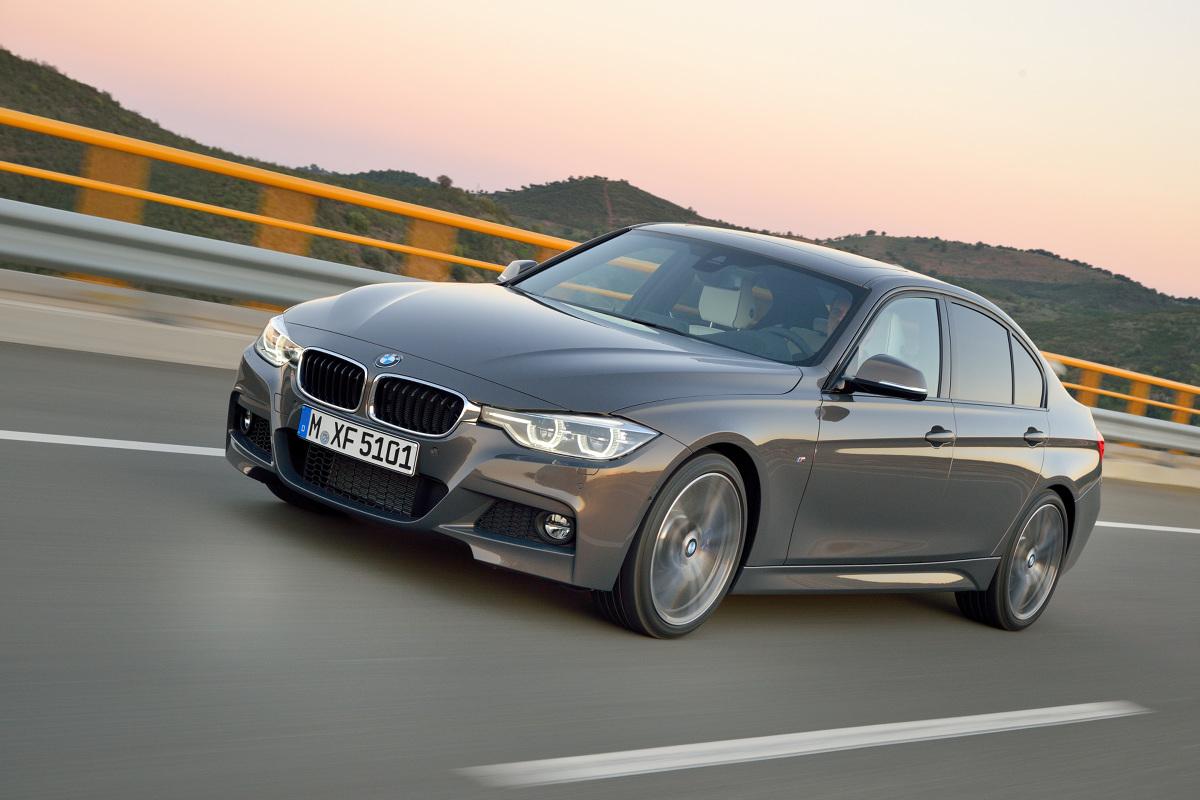 """Używane BMW serii 3 F30  BMW serii 3 to obok Audi A4 i Mercedesa klasy C jeden z głównych graczy w segmencie D premium. Ma to przełożenie na rynek aut używanych, gdzie różne generacje """"trójki"""" od lat należą do samochodów najbardziej pożądanych. F30 to fabryczne oznaczenie ostatniego wcielenia monachijskiego szlagieru. W tej chwili można je kupić jako nowe w salonie, ale też coraz częściej obecna generacja serii 3 jest wybierana jako auto używane. Dziś prześwietlimy tę drugą opcję.   fot. BMW"""