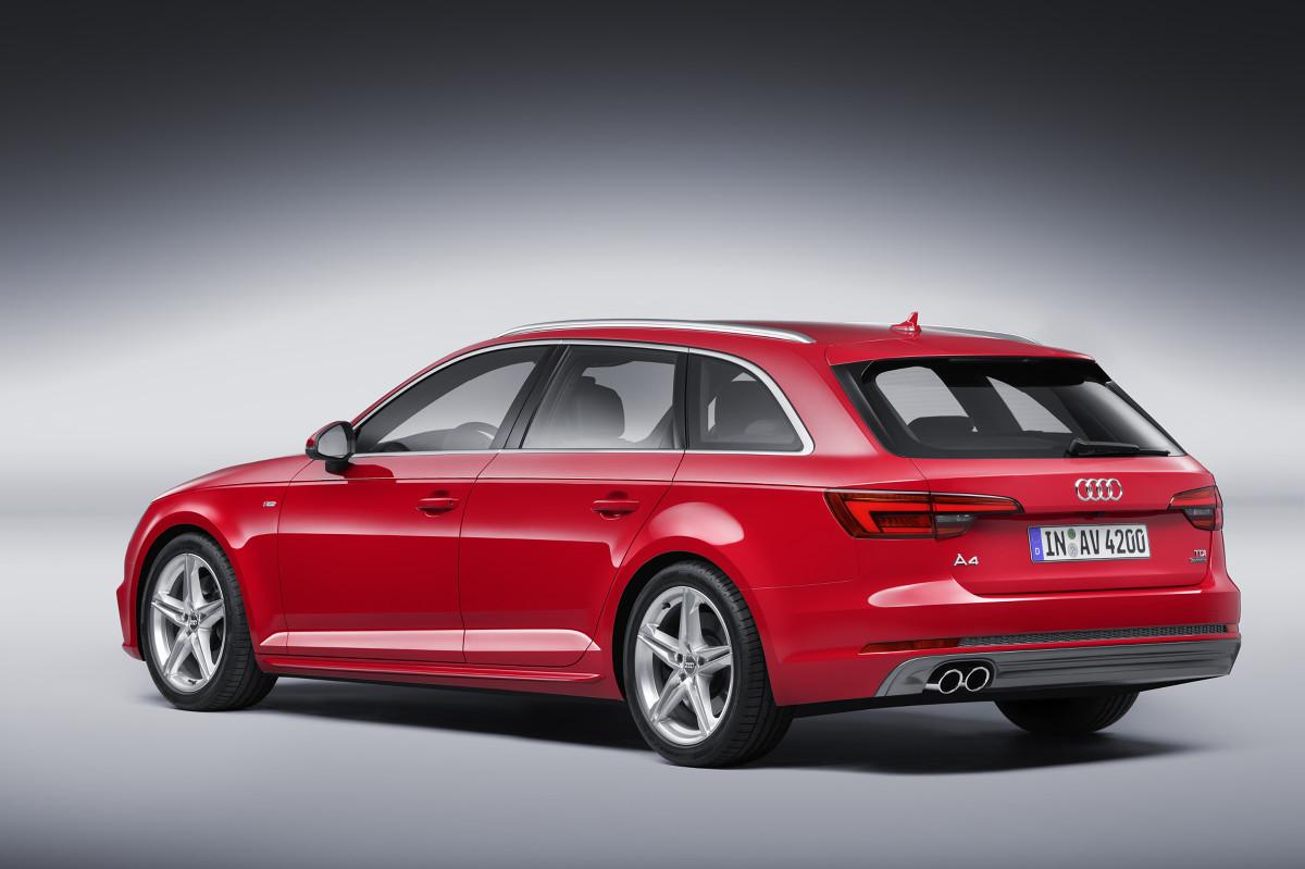 Audi A4  Pojemność bagażnika (l): 490 (1430) Cena wersji podstawowej (zł): 138 400   Fot. Audi