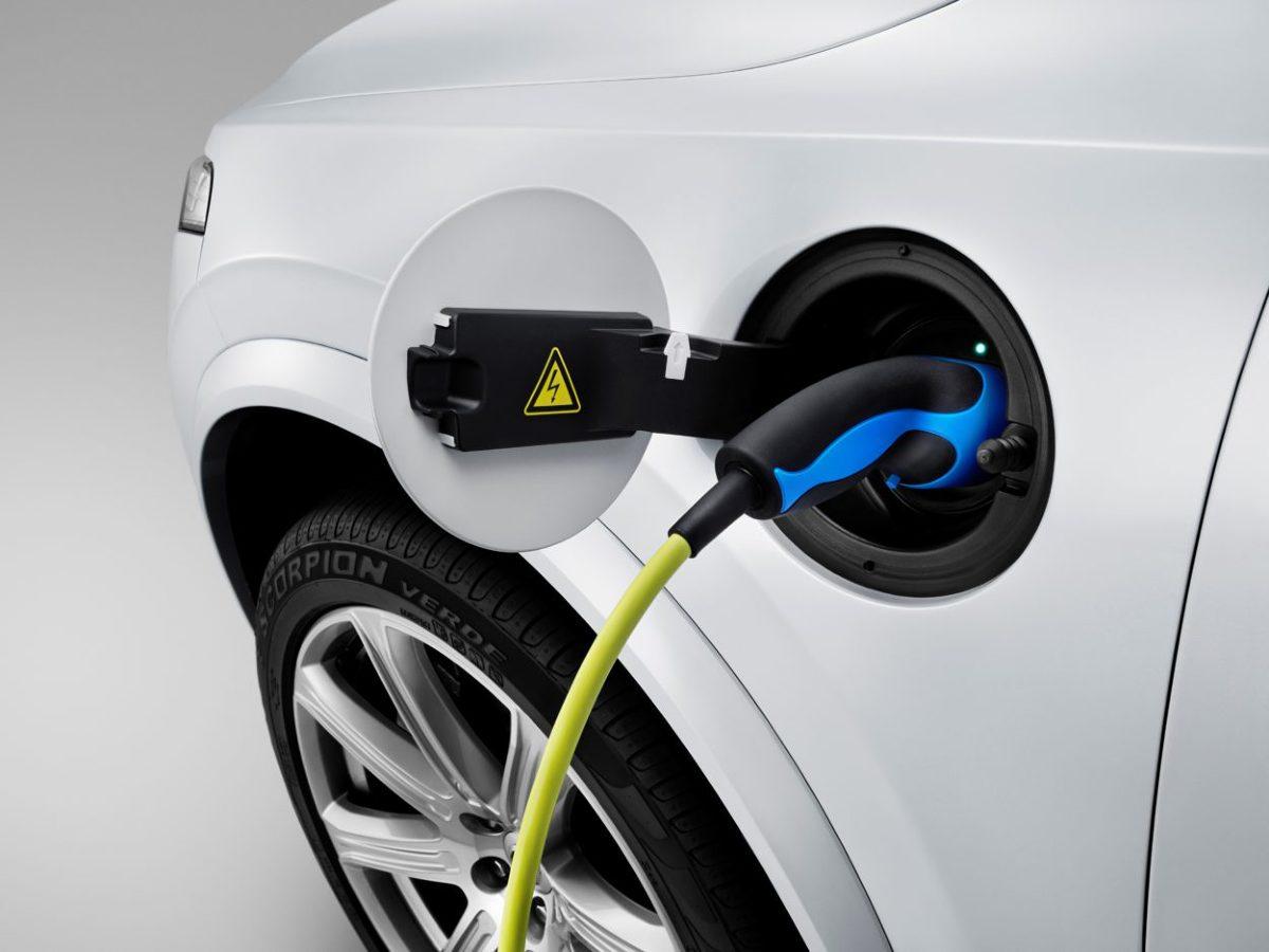 Elektryczne Volvo trafi do sprzedaży w 2019 roku i będzie eksportowane z Chin na cały świat. Decyzja, by produkcję elektrycznych Volvo ulokować w Państwie Środka, nie jest przypadkowa. Chiny mają stać się dla Volvo centralnym ośrodkiem produkcyjnym zelektryfikowanych aut.  Fot. Volvo