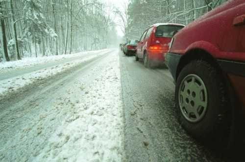 Fot. Przemysław Świderski: Opony zimowe zwiększają bezpieczeństwo podróżowania przy niskich temperaturach i w trudnych warunkach zimowych.