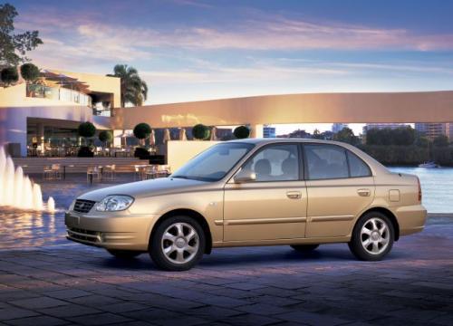 Fot. Hyundai: Hyundai Accent to interesujący samochód w tzw. umiarkowanej cenie. Pod względem technicznym reprezentuje przyzwoity poziom.