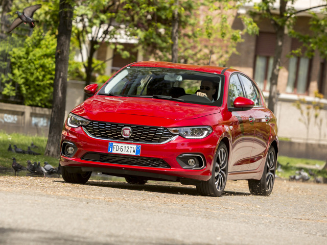 Fiat Tipo   W standardowej wersji Fiat Tipo hatchbackuzyskał trzy gwiazdki, a wyposażony w opcjonalny pakiet bezpieczeństwa – cztery gwiazdki. Przypomnijmy, że najwyższa nota to pięć gwiazdek.   Fot. Fiat