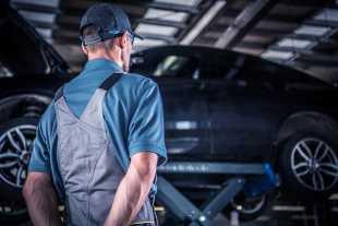 Tylna belka. Objawy zużycia, koszty regeneracji w samochodach marki Peugeot, Citroen i Renault