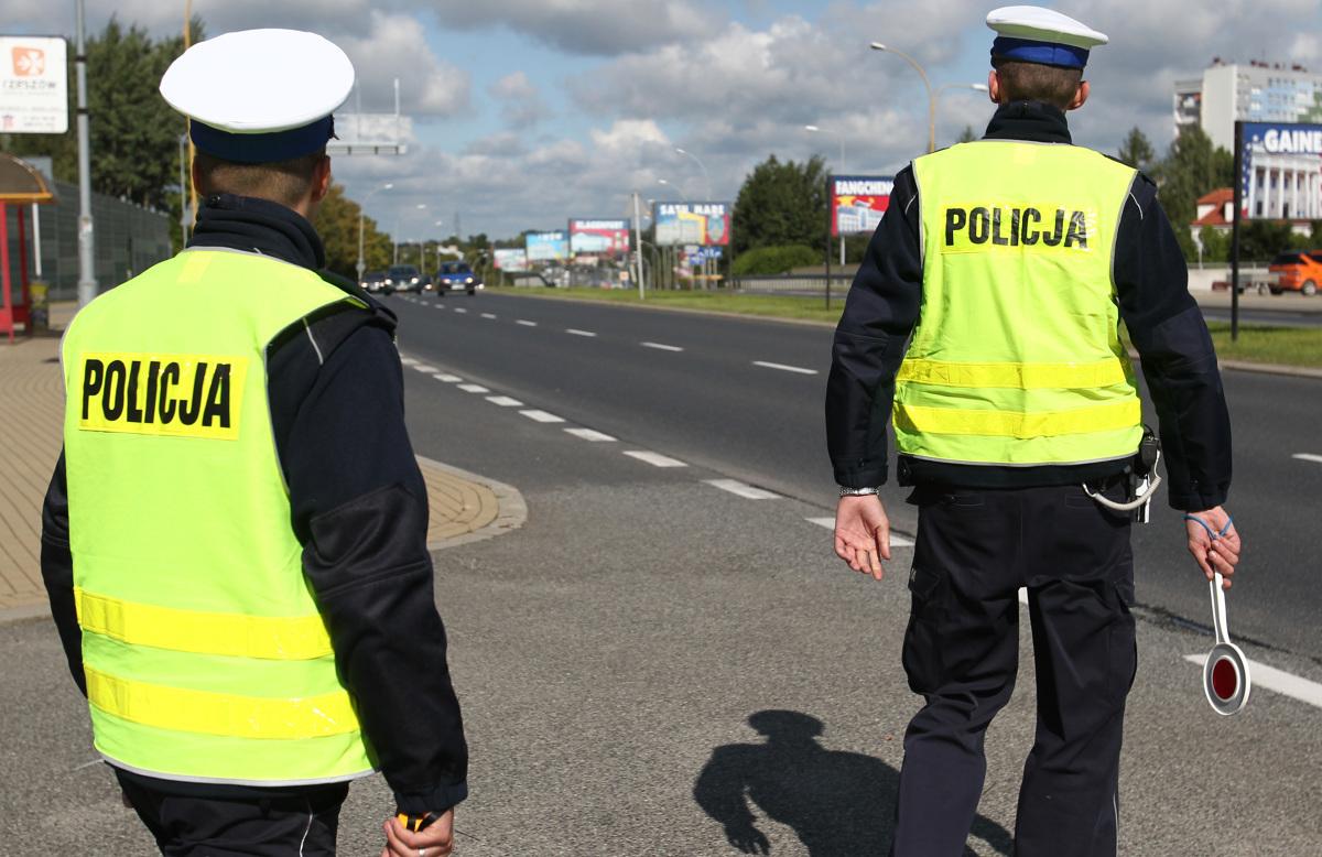 """Dzisiaj w całym kraju Policja prowadzi ogólnopolskie działania kontrolno-prewencyjne pn. """"Kaskadowy pomiar prędkości"""". Mają one na celu egzekwowanie od kierujących przestrzeganie ograniczeń prędkości.  Fot. Archiwum"""