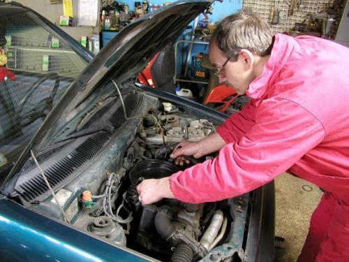 Fot. Olgierd Górny: Być może stanieją części zamienne - Komisja Europejska przyjęła projekt dyrektywy przewidującej liberalizację produkcji i handlu częściami do samochodów. Ale to dopiero projekt!