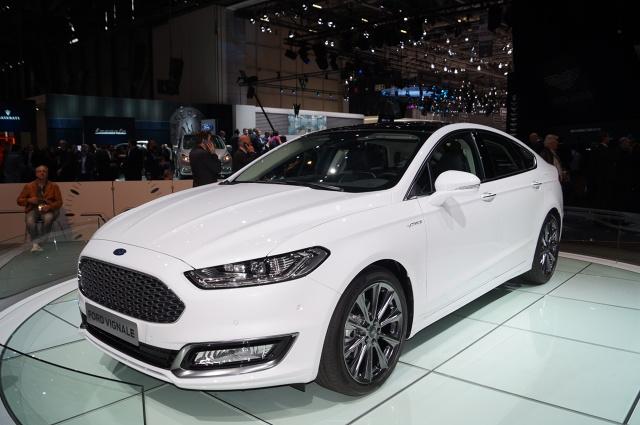 Na targach motoryzacyjnych w Genewie Ford zaprezentował swoje strategiczne modele w nowej odsłonie. Linia Vignale ma być propozycją dla najbardziej wymagających kierowców / Fot. Tomasz Szmandra