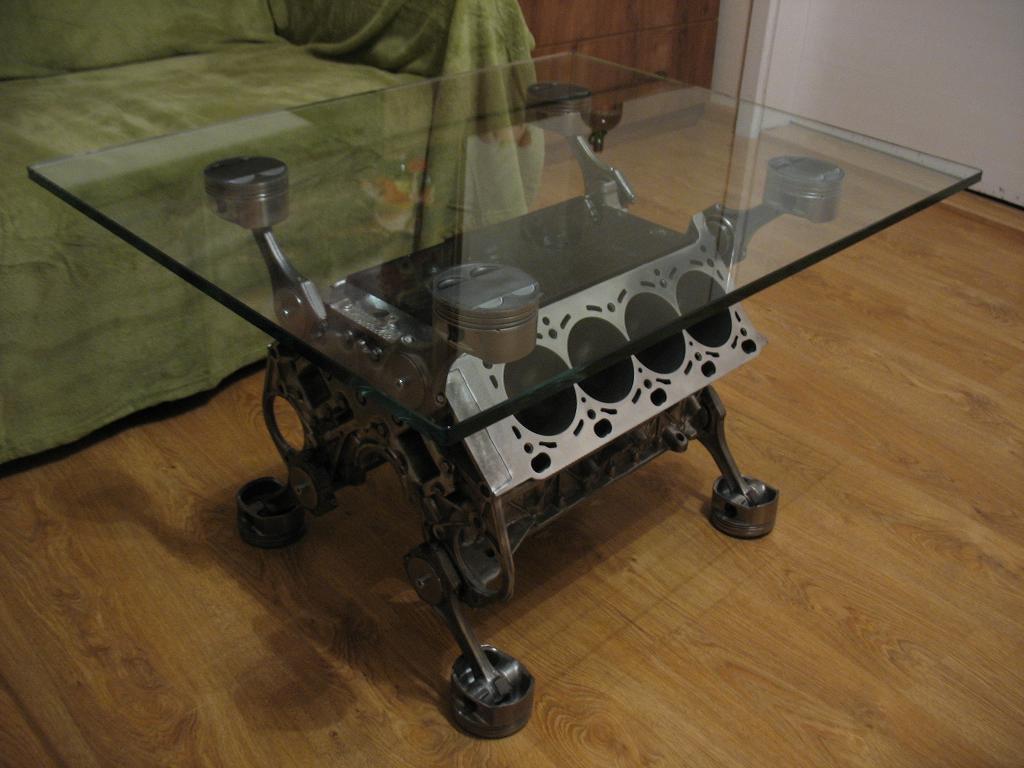 Stolik Z Silnika V8 Bmw M Power