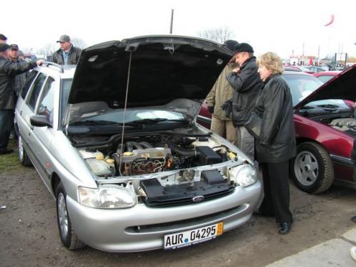 Fot. M. Pobocha: Ceny samochodów z drugiej ręki spadły średnio o około dwadzieścia procent. Dla kupujących to dobra wiadomość.