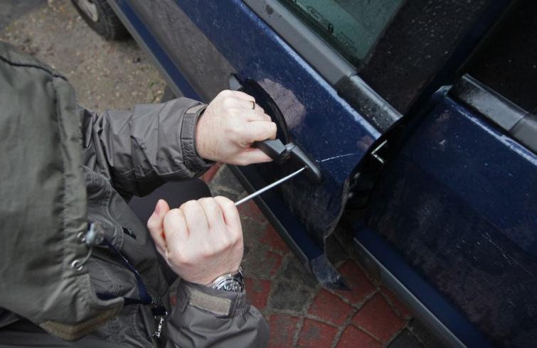 Kradzież samochodu - co robić, jak walczyć o odszkodowanie. Poradnik