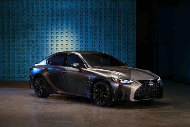 Gamers' IS  Lexus pokazał nowego koncepcyjnego sedana IS dla graczy, który stanowi idealną przestrzeń do grania. Koncept jest efektem współpracy marki z użytkownikami serwisu Twitch – platformy streamingowej do transmisji gier komputerowych oraz rozgrywek e-sportowych.  Fot. Lexus